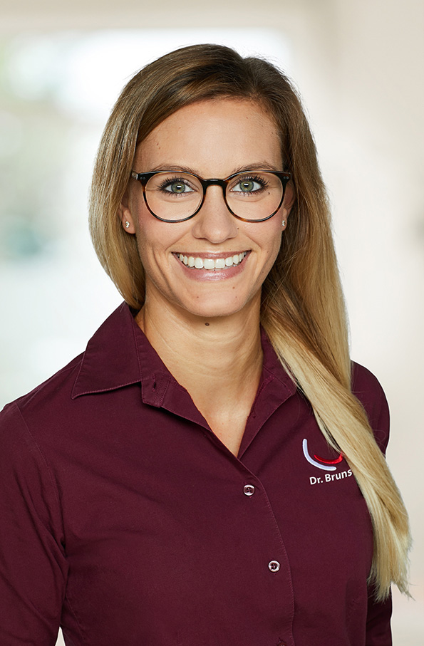 Dr. Janna Bruns